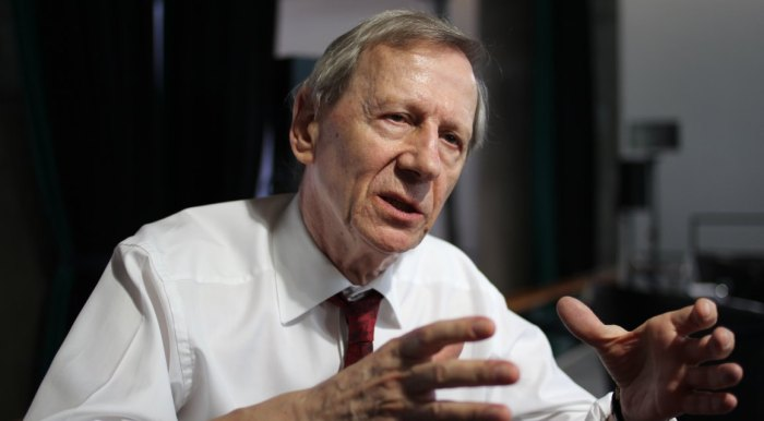 anthony giddens globalization composition question