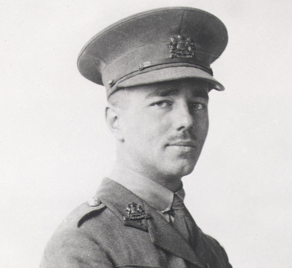 early life of wilfred owen Later wilfred owen is blown into the air by a bomb and falls into the bloody bits of cock robin, a friend of his this disturbs him a great deal craiglockhart mental hospital, wilfred owen is treated by dr brock, who was a very great psychiatrist encouraged him to get out into the world, walk around edinburgh, and write poetry.
